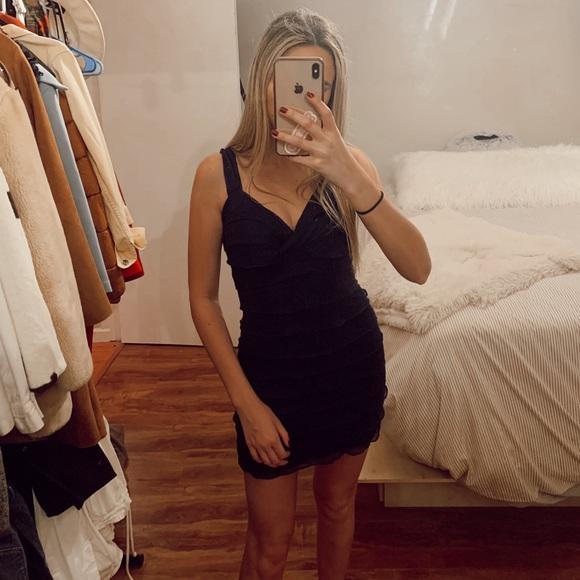 Zara Dresses & Skirts - Ruffled Zara Navy Dress